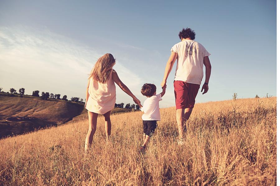 Ilustração do post sobre o caminho do meio na maternidade